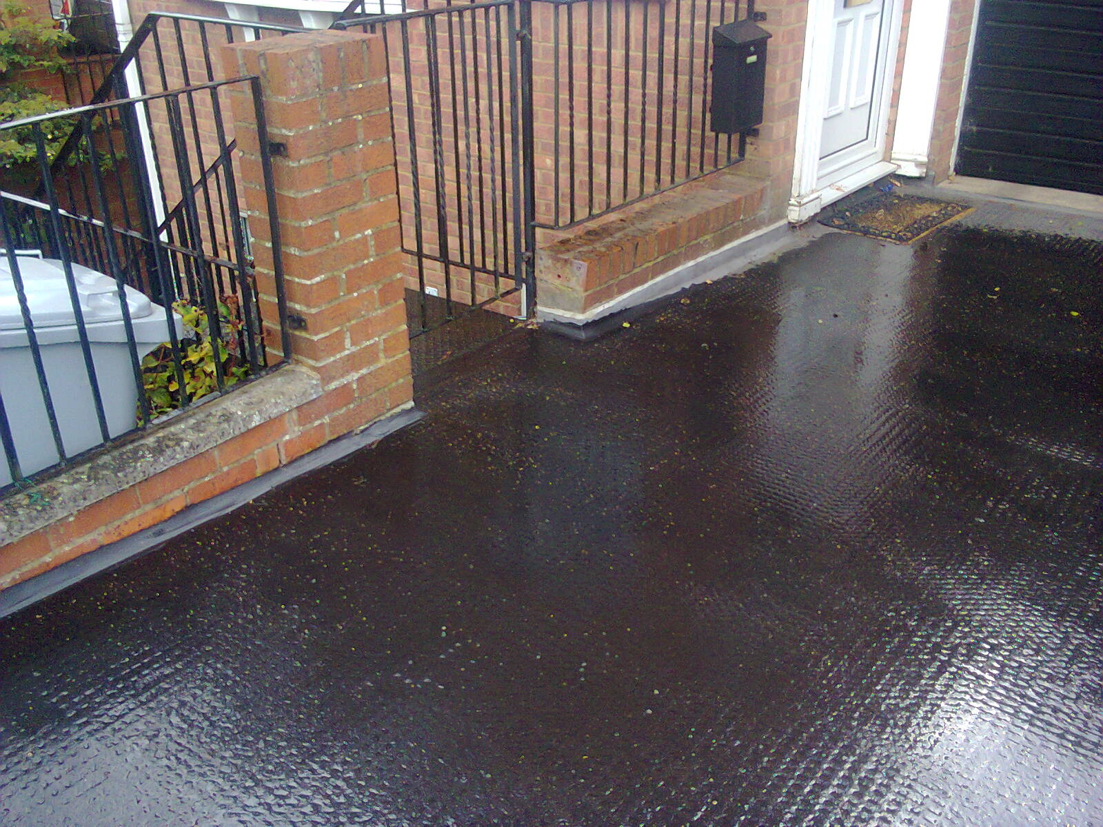 Kettering asphalt flat roofing and flooring northamptonshire for Roof and floor
